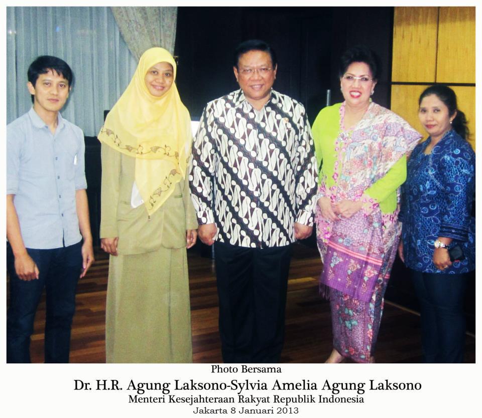 Bersama Bpk. DR. Agung Laksono dan Ibu Amelia