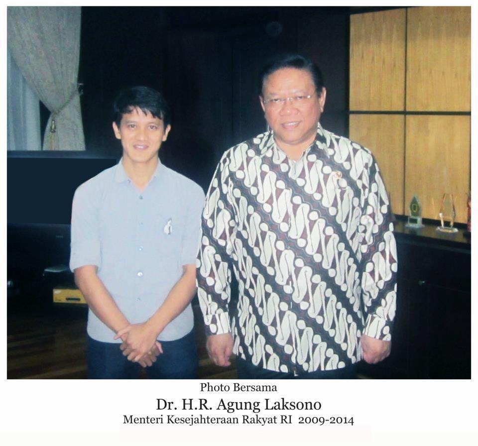 Bersama Bpk. DR. Agung Laksono